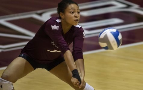 Sophomore libero, Keera Clarke, returns the ball, Friday, Nov. 2, 2018, during the Saluki's 3-1 win againt the Indiana Sycamores, at Davies Gym. (Isabel Miller | @IsabelMillerDE)