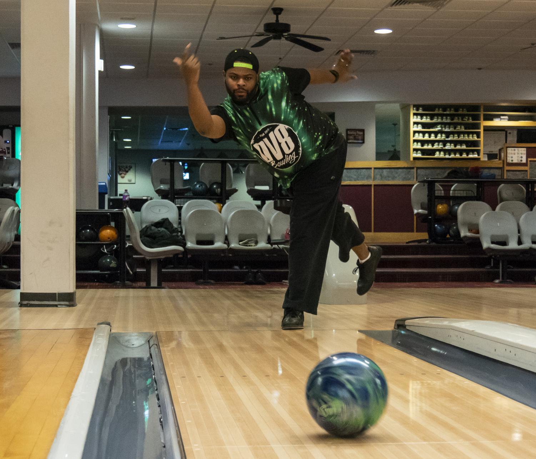 Dwayne Moore, Jr., approaches the lane to bowl inside the Student Center on Tuesday, Nov. 27, 2018. (Carson VanBuskirk | @carsonvanbDE)