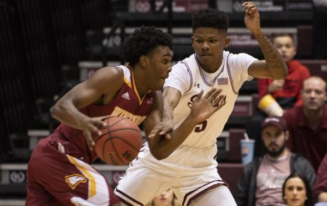 Gallery: Salukis fall short against Winthrop Eagles