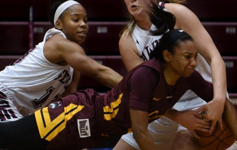 On the road again: Women's basketball goes 0-2 in Iowa