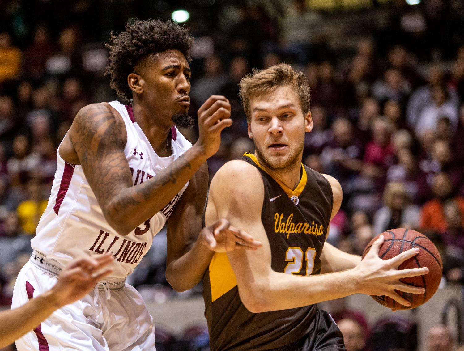Senior center Kavion Pippen defends the ball, on Saturday, Jan 12, 2019, during the Saluki's 61-65 loss against the Valparaiso Crusaders at the SIU arena.