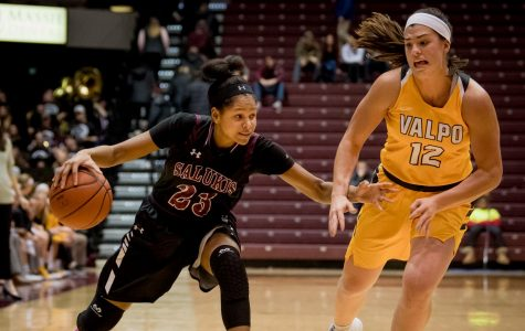Women's basketball: Salukis snag victory over Valparaiso 87-65 during Black Out Cancer game