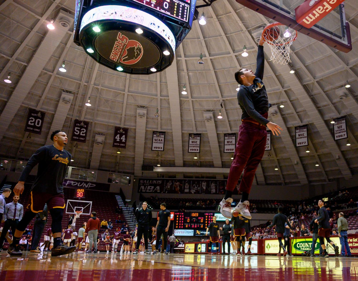 Loyola+Ramblers+center+Cameron+Krutwig+goes+for+a+basket+on+Sunday%2C+Feb.+24%2C+2019%2C+before+a+matchup+between+the+Southern+Illinois+Salukis+and+the+Loyola+Ramblers+at+SIU+Arena.