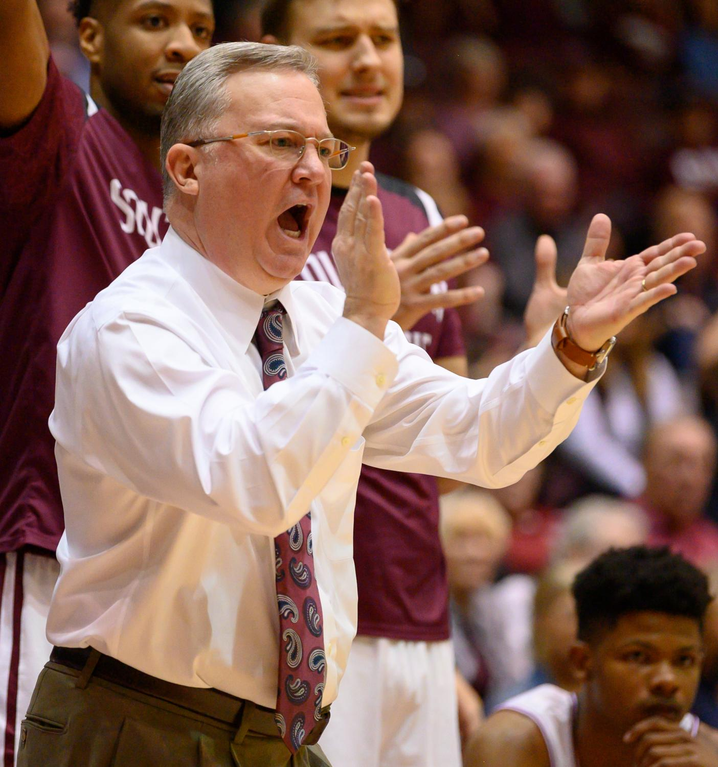 Southern+Illinois+Salukis+head+coach+Barry+Hinson+reacts+to+a+basket+on+Sunday%2C+Feb.+24%2C+2019%2C+during+a+matchup+between+the+Southern+Illinois+Salukis+and+the+Loyola+Ramblers+at+SIU+Arena.