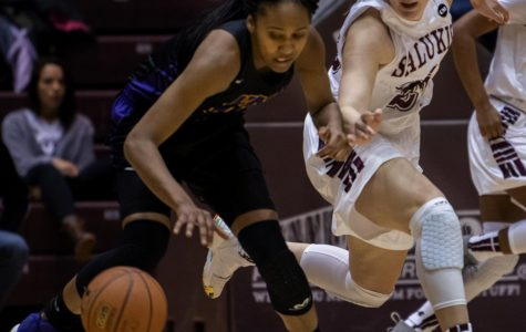 Women's basketball falls to UNI in senior day showdown, 76-67