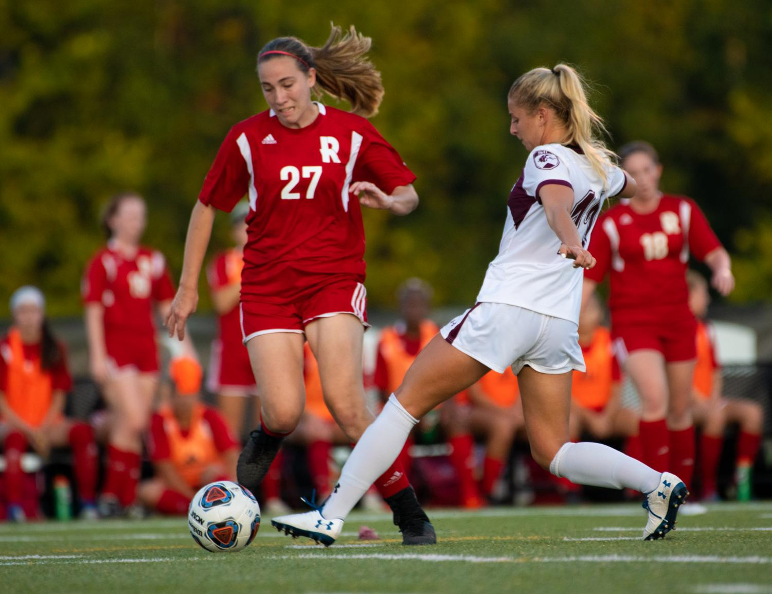 Saluki+freshman+Marissa+Basi+kicks+the+ball+past+the+defense+on+Tuesday%2C+Aug.+27%2C+2019+during+the+Salukis%27+1-0+win+against+the+Rose-Hulman+Fightin%27+Engineers+at+the+Lew+Hartzog+Track+%26+Field+Complex.