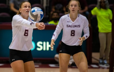 Salukis drop in five sets to Loyola on senior night