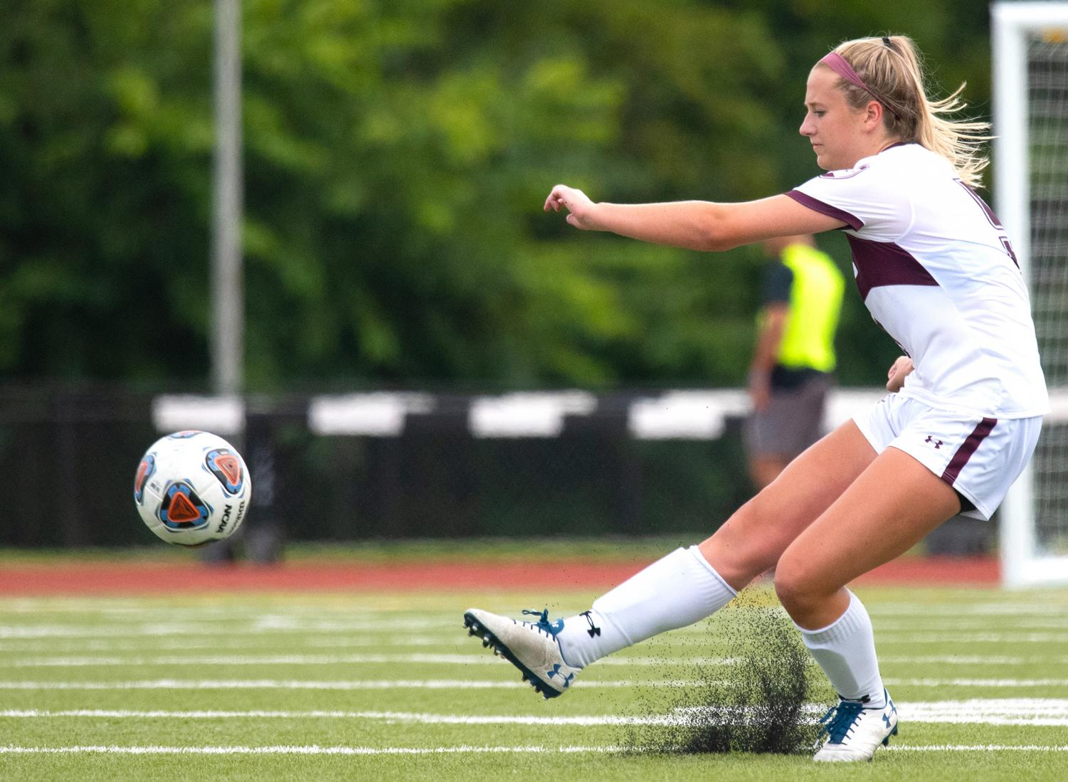 Christy+Murauskis%2C+of+Palantine%2C+kicks+the+ball+during+the+SIU+vs.+IUPUI+game+on+Sunday%2C+Sept.+1%2C+2019%2C+in+Carbondale.