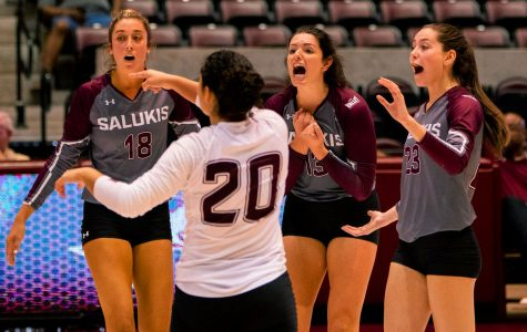 Day one of Saluki Invitational a struggle for Saluki volleyball