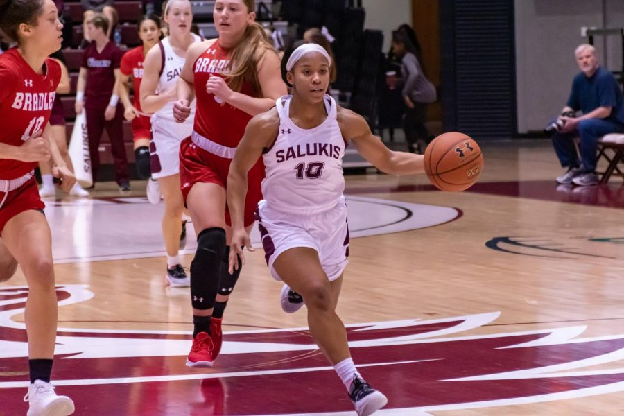 Brittney Patrick (siu guard) moves the ball to the basket against Bradley (February 2nd 2020)