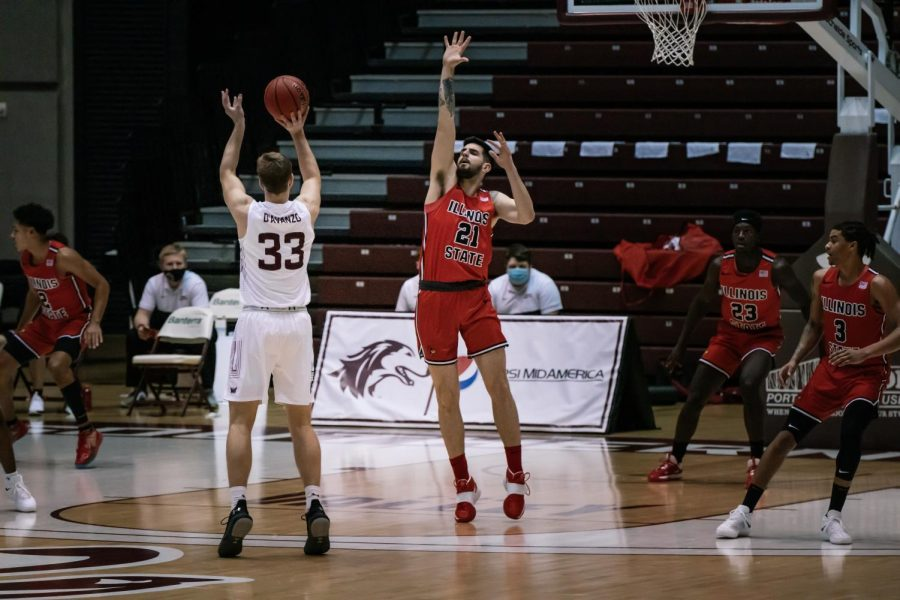 Anthony D'Avanzo (33) shoots from the three point line in game two against Illinois State University (ISU) Sunday, Feb. 14, 2021, at the SIU Banterra Center. SIU won the game with a score of 59-49.