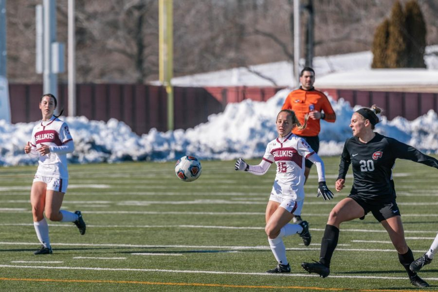 Katy Quinn (15) races a player from Western Kentucky University for control over the ball Saturday, Feb. 20, 2021 at SIU.