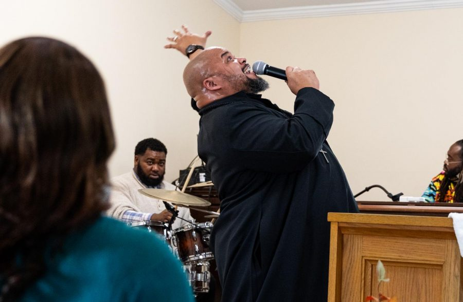 Stephen Robinson Jr., senior  pastor at Zion Temple COGIC church, closes out the service with a time of worship Sunday, Feb. 8, 2021, in Murphysboro, Ill.