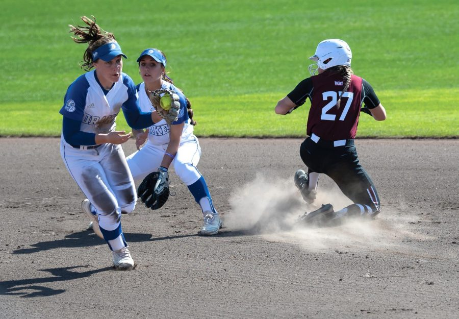 Jenny Jansen (27) runs to get to second base during the game against Drake University on Sunday, March 21, 2021 at SIU.
