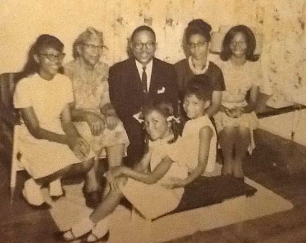 Rev..Mosley+%26+Family+1965SRGB