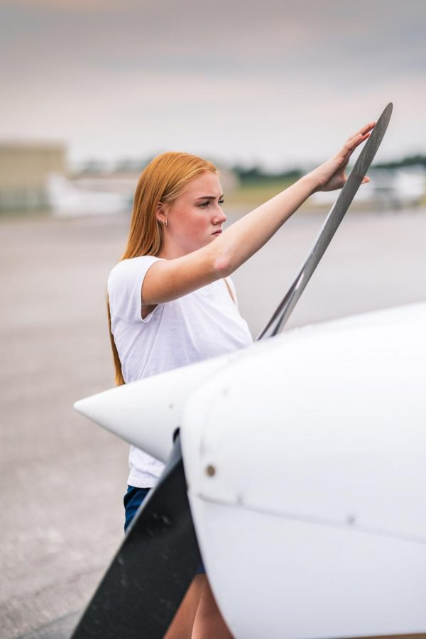 Tyne Haverkate inspects a propeller Sept. 3, 2021 at SIU Automotive Technology in Murphysboro, Ill.